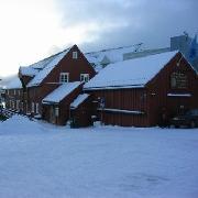 Polarmuseet har flere egenproduserte utstillinger til låns. Ta kontakt for spørsmål angående lån og leie.