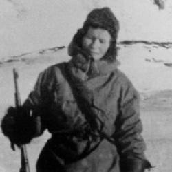 Overvintringsfangst var i stor grad en mannstradisjon - og de få kvinner som deltok var mer husholdersker enn fangstmenn. Wanny Woldstad fra Tromsø er derimot er et av unntakene.