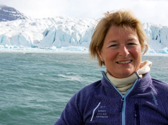 Rektor Anne Husebekk på Svalbard. Foto: Asbjørn Bartnes