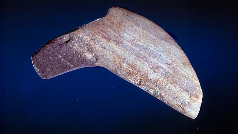 <br />Lekre linjer og funksjonell design preget våpen og redskaper allerede i steinalderen.