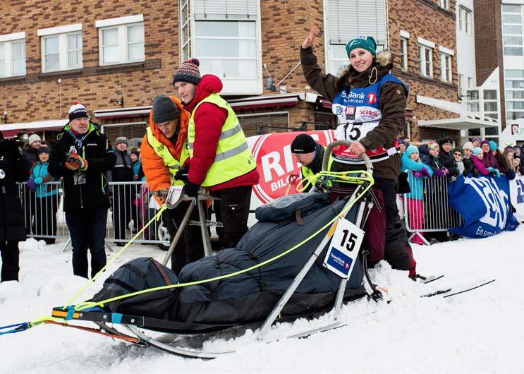 Starten på Finnmarksløpet går fra Alta sentrum. Mailene Skjølås deltok i løpet for første gang i år. Foto: Steinar Vik