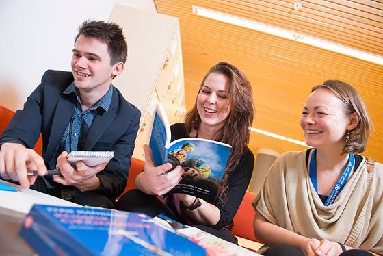 Bilde av studenter ved UiT