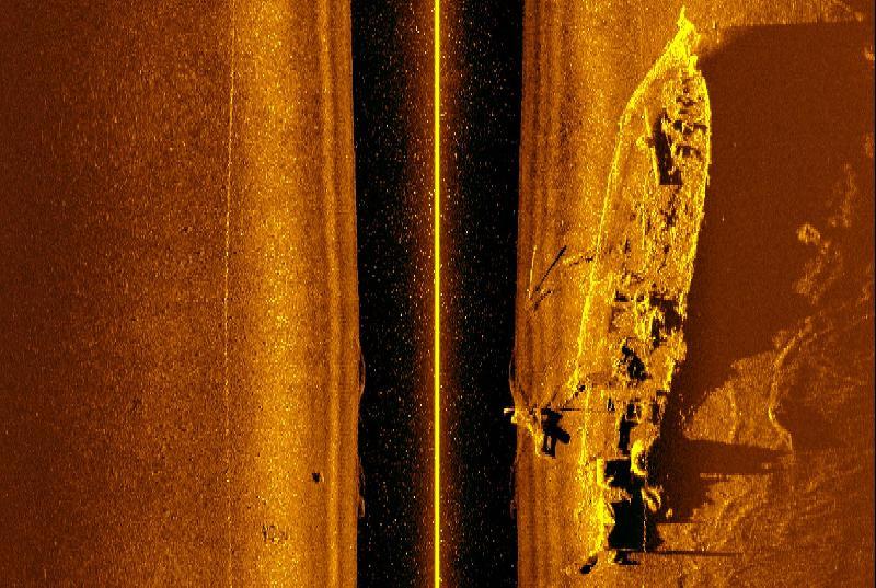 Bildet viser en sidescan gjort av undervannsroboten i september 2015. Foto: NTNU Aur-Lab