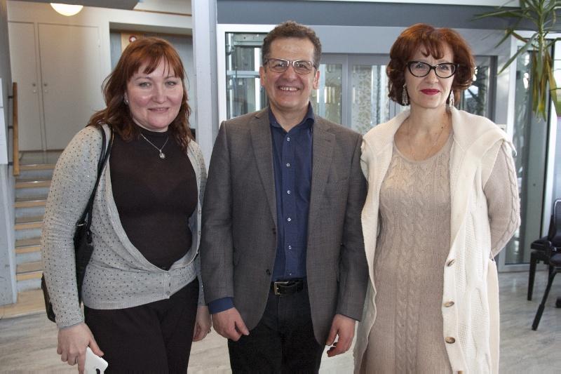 Regina Glazunova (t.v.), Zafer Özgen og Anna Alyabyeva er alle glade for samarbeidet.