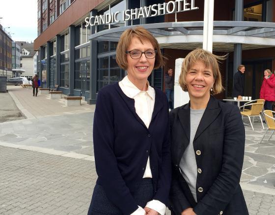 Prosjektleder i den sjuende Tromsøundersøkelsen, Heidi Johansen (til venstre) og prodekan for forskning, Sameline Grimsgaard, er glade for at tromsøværingenes blodtrykk og kolesterol er på et normalt nivå.