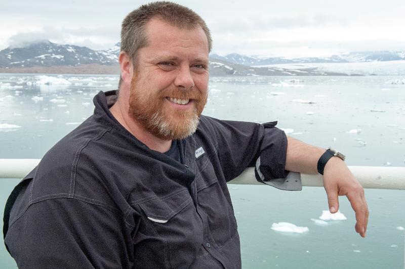 Jørgen Berge ved Kongsfjorden på Svalbard.