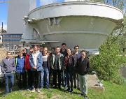 Studenter fra UiT i Narvik utenfor Airbus i Leiden.jpg