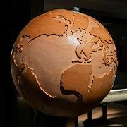 Bli med på en reise gjennom tid og rom. TellUs er den nye geologiske utstillinga ved Norges arktiske universitetsmuseum.
