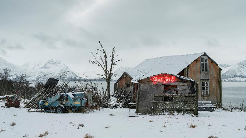 Nedlagt gårdsbruk i Kvæfjord kommune i Troms. Foto: Tomas Rolland
