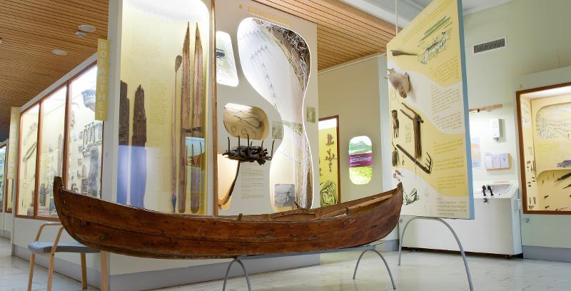<p>Utstillinga beskriversamisk kulturutvikling fra de eldste kilder og fram til det 20. århundre.</p>