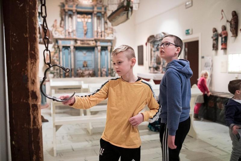 <p>Se kirkekunst og andre gjenstandersom er samlet inn fra de riktige gamle nord-norske kirkene.</p>
