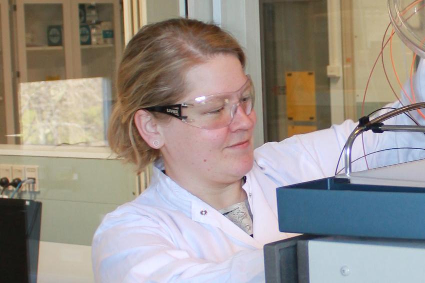 Kvinne som forsker