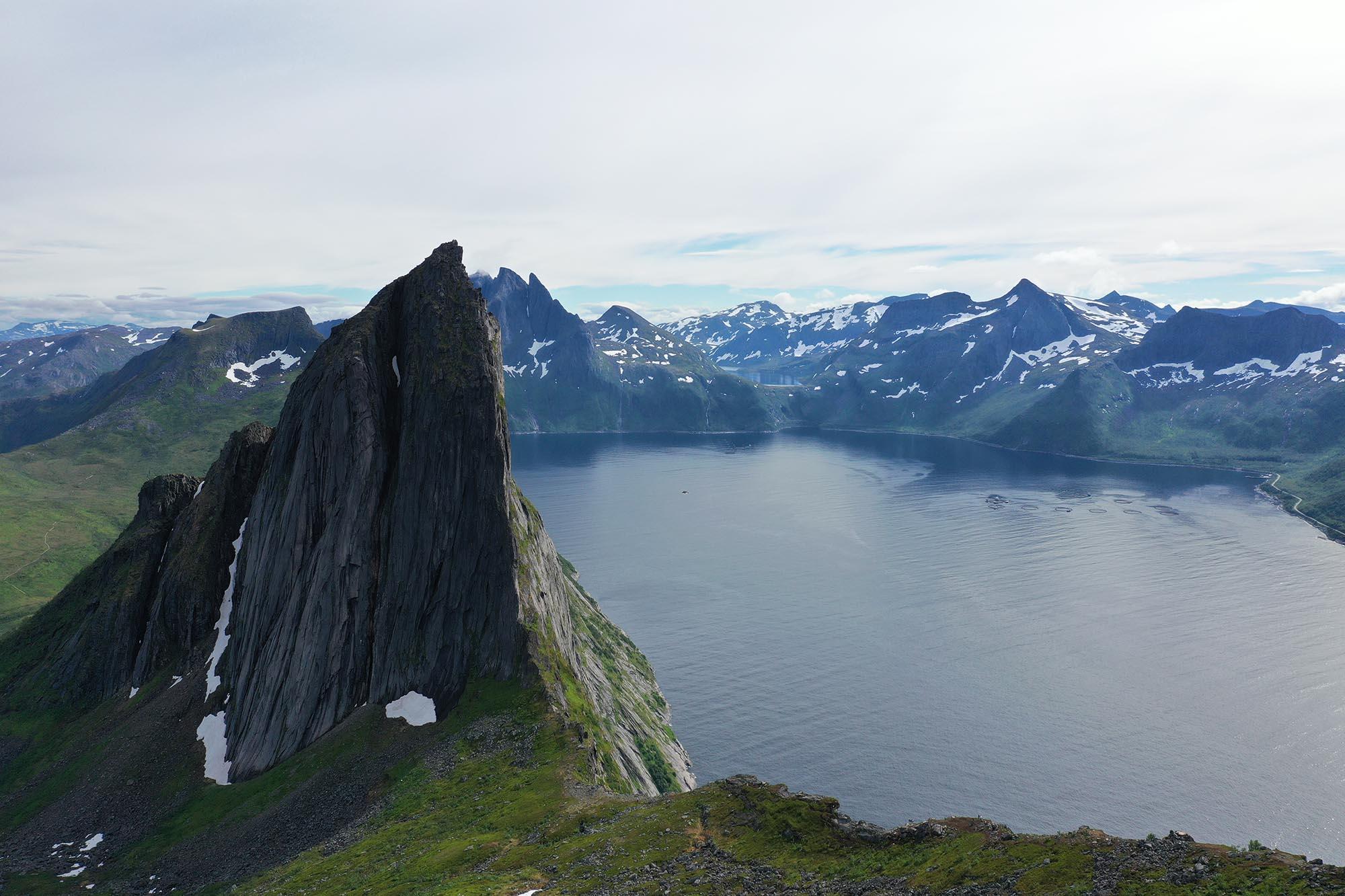 Fjell og fjord på Senja