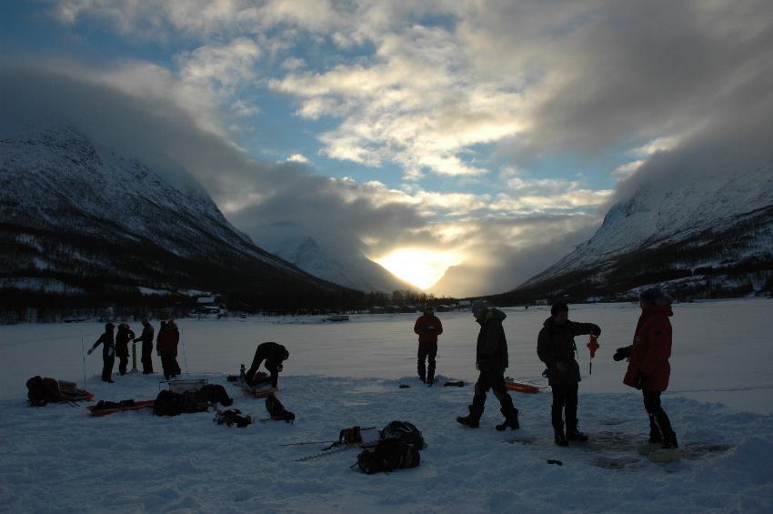 Isforskere tar prøver