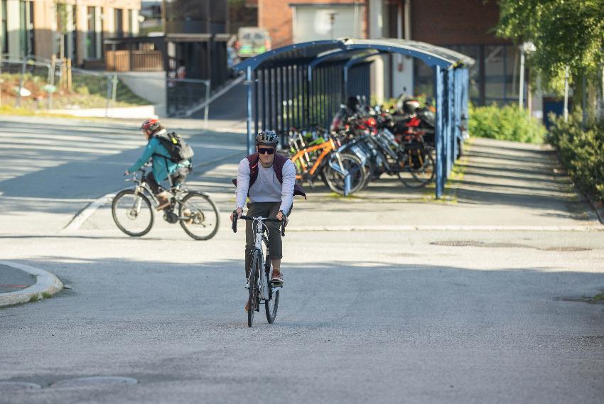 mann som sykler