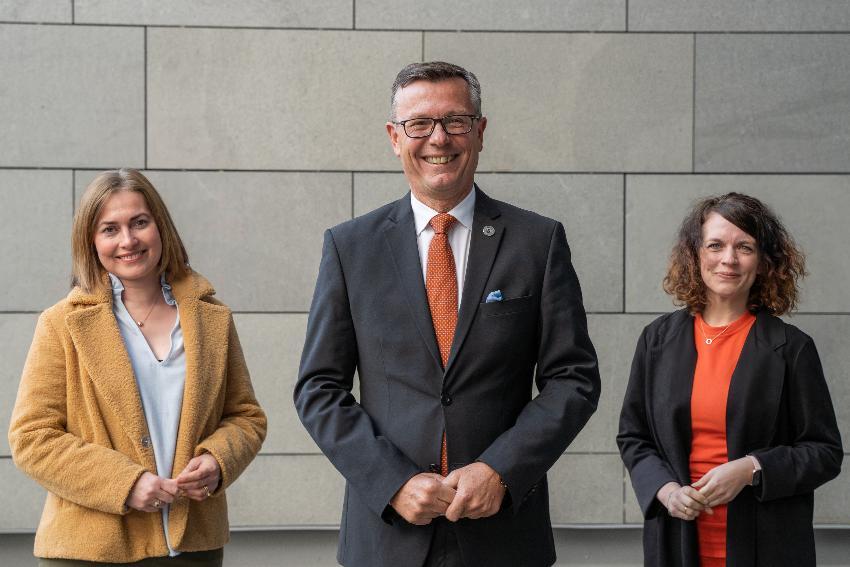 Gruppebilde av det nye rektoratet ved UiT