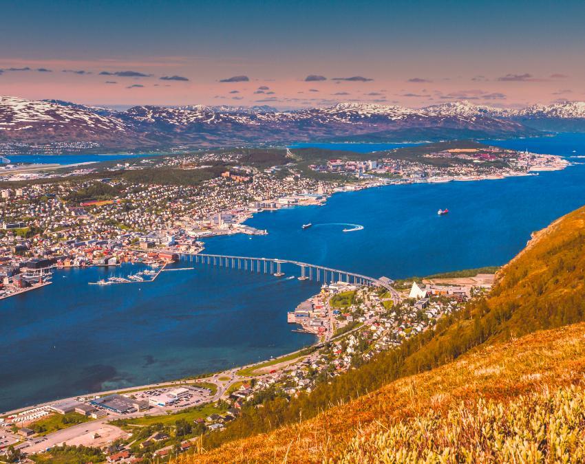 Tromsø by sett fra Fjellheisen