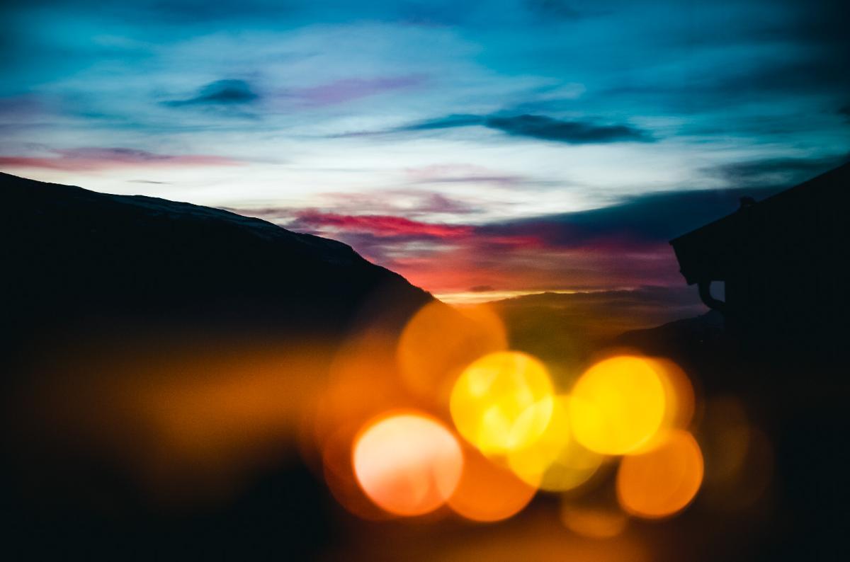 landskap med abstrakte lys-rundinger