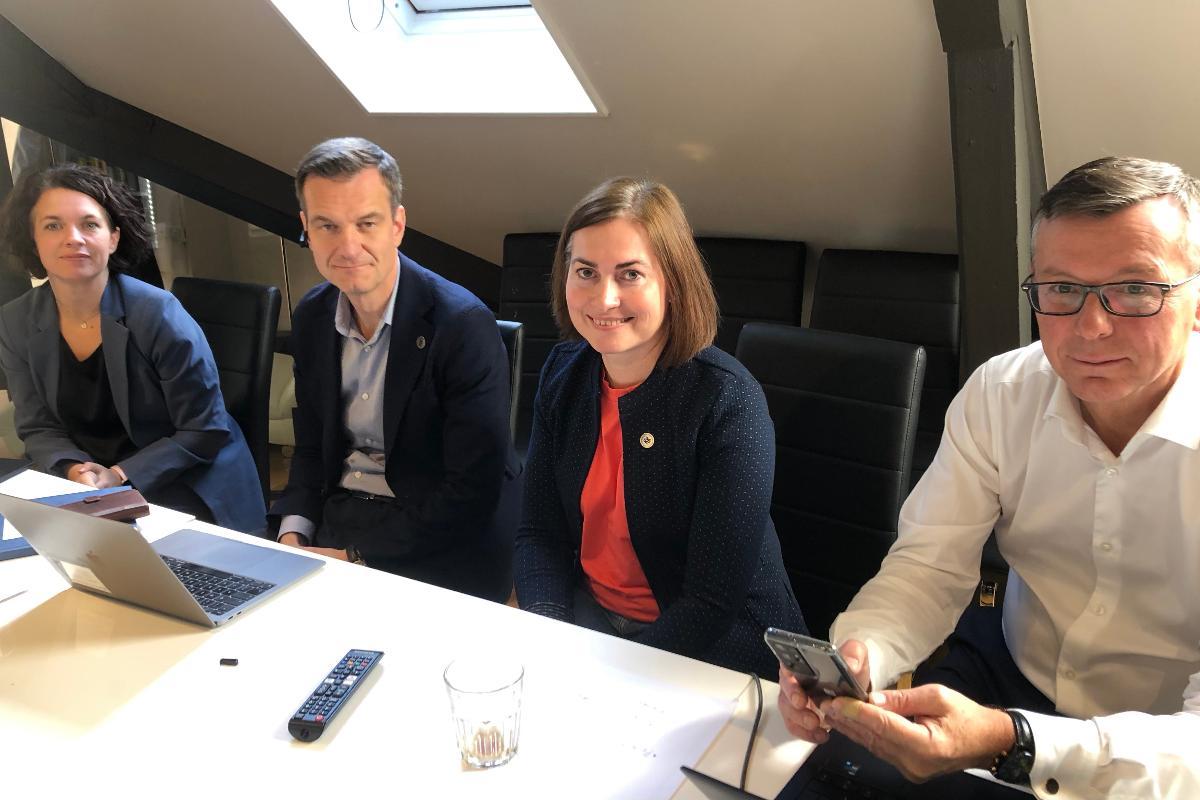 Gruppebilde av prorektor Kathrine Tveiterås, direktør Jørgen Fossland, prorektor Camilla Brekke og rektor Dag Rune Olsen.