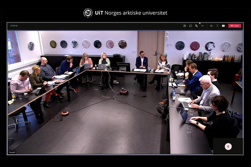 Skjermdump av strømmingen av UiTs universitetsstyremøte 21. oktober 2021