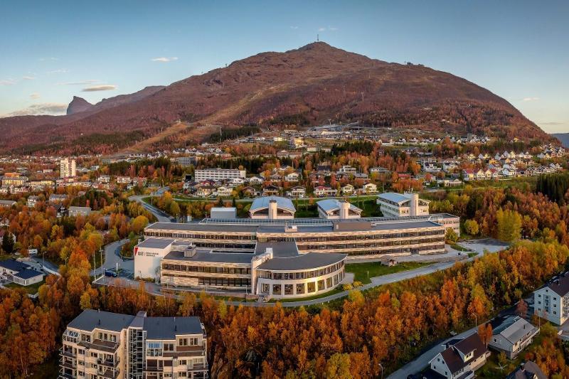 Campus Narvik sett fra lufta. Foto: Kalle Punsvik